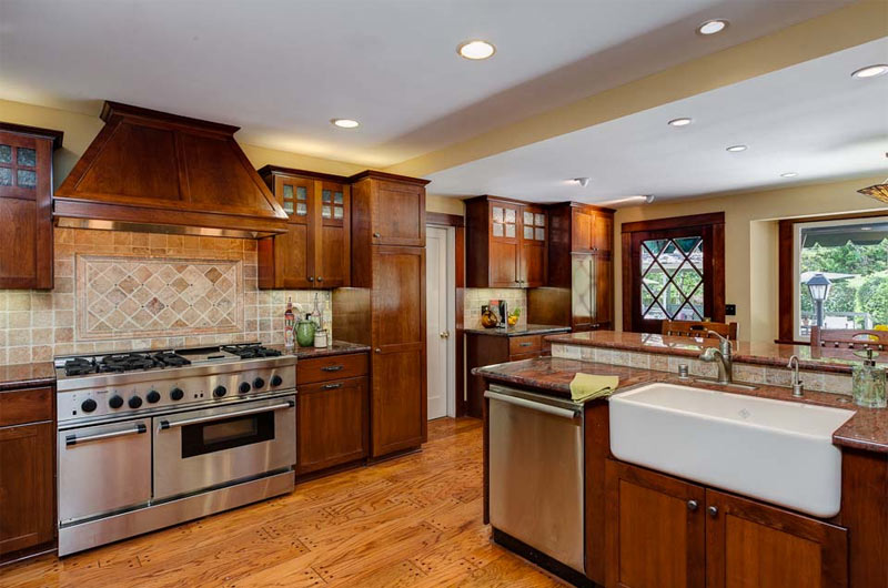 Craftsman-Kitchen-Hooked-on-Houses