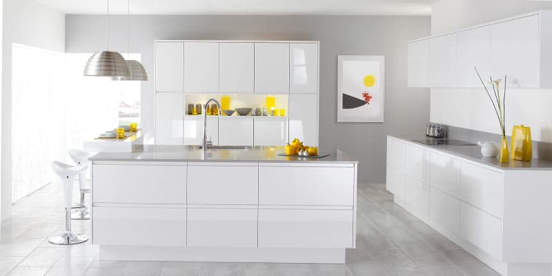Modern-White-Kitchen-Mozaico