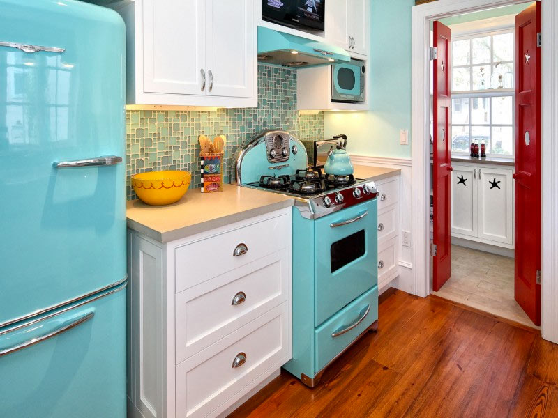 Robins-Egg-Blue-Vintage-Kitchen-Knight-Architects