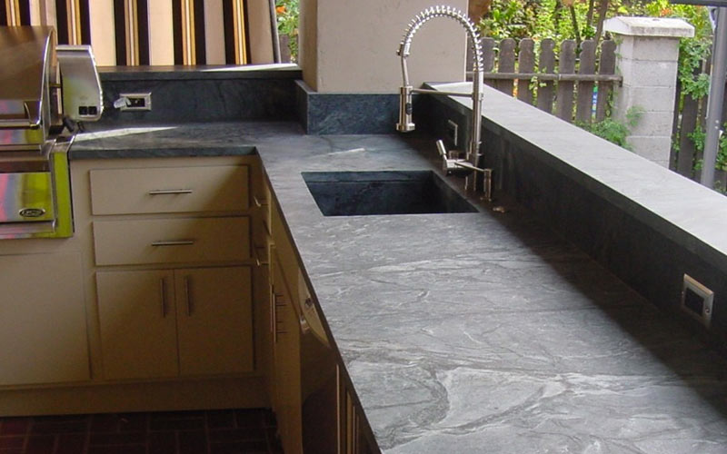 Soapstone-Countertop-Outdoor-Kitchen-Premier-Surfaces