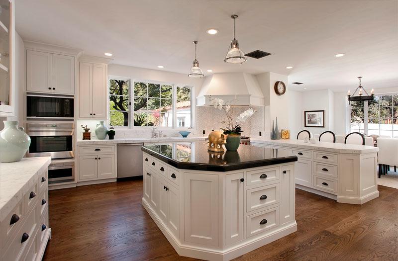 Traditional-White-Kitchen-BlogKitchens