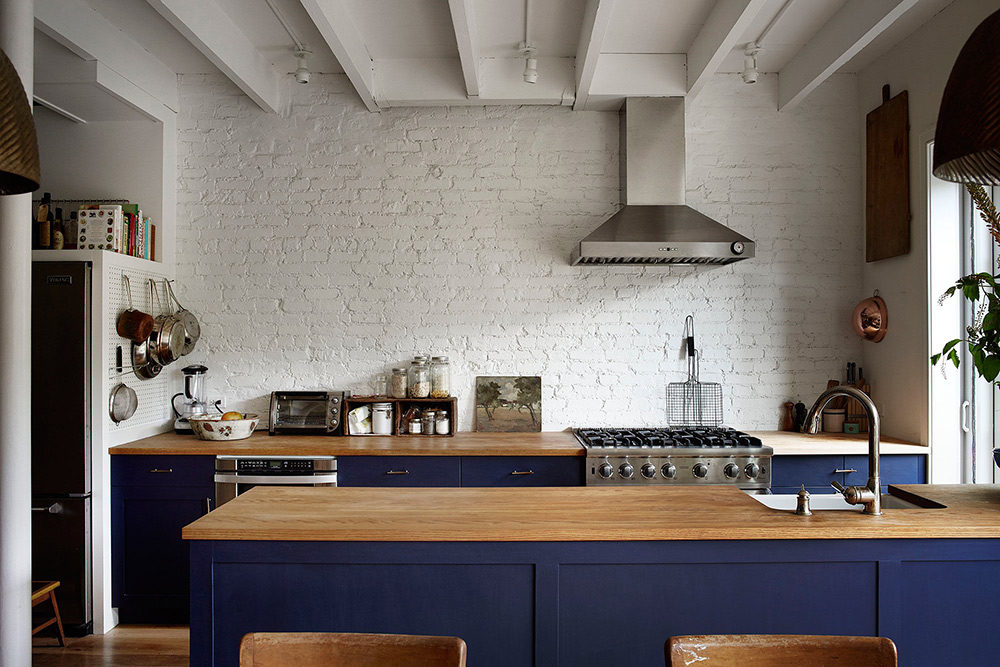 Modern-Rustic-Kitchen-Rony-Vardi-Vogue