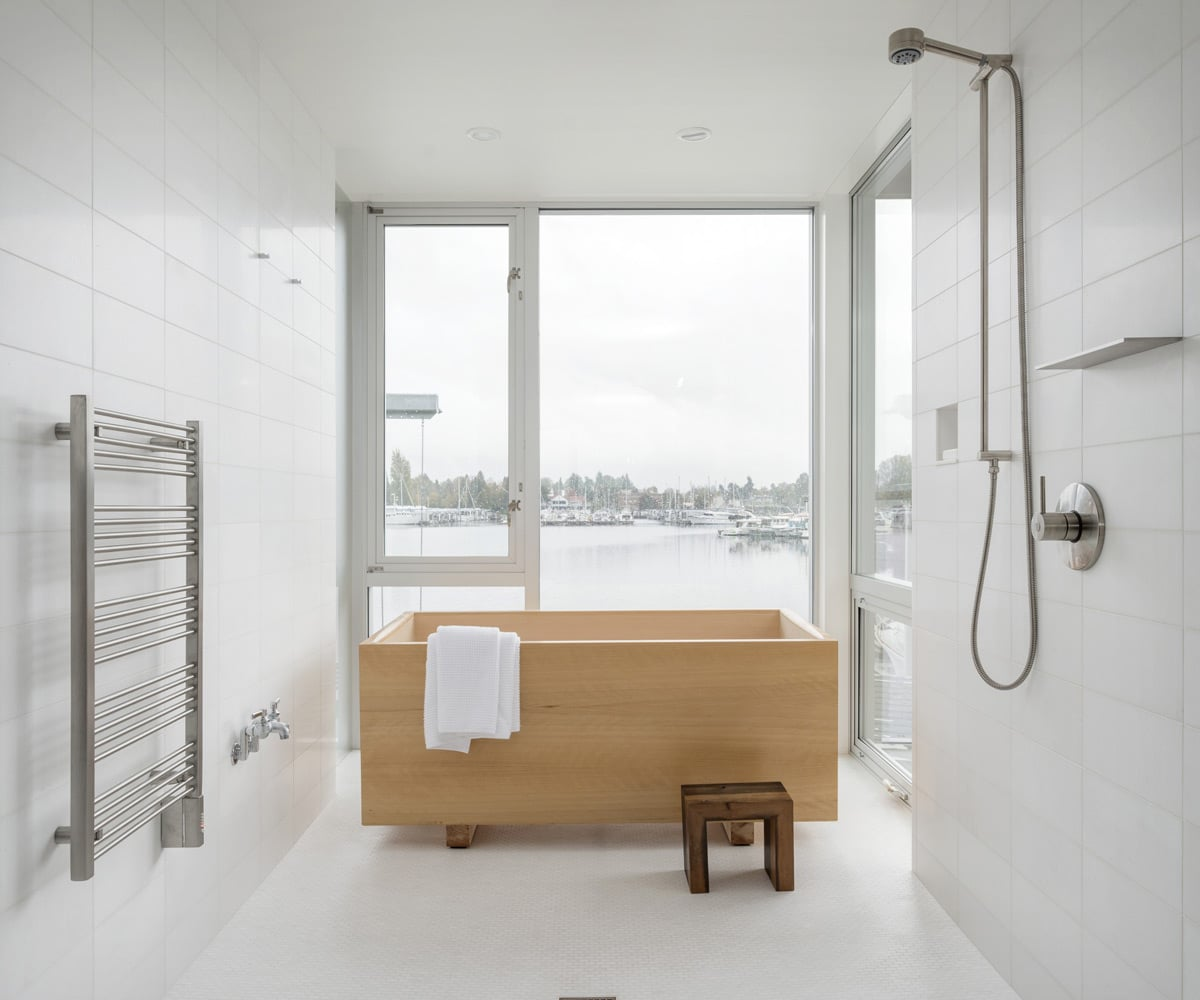 Minimal-Bathroom-Wood-Freestanding-Tub-heliotropearchitects