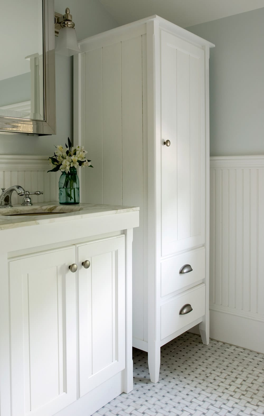 Bathroom-Storage-Furniture-celia-bedilia
