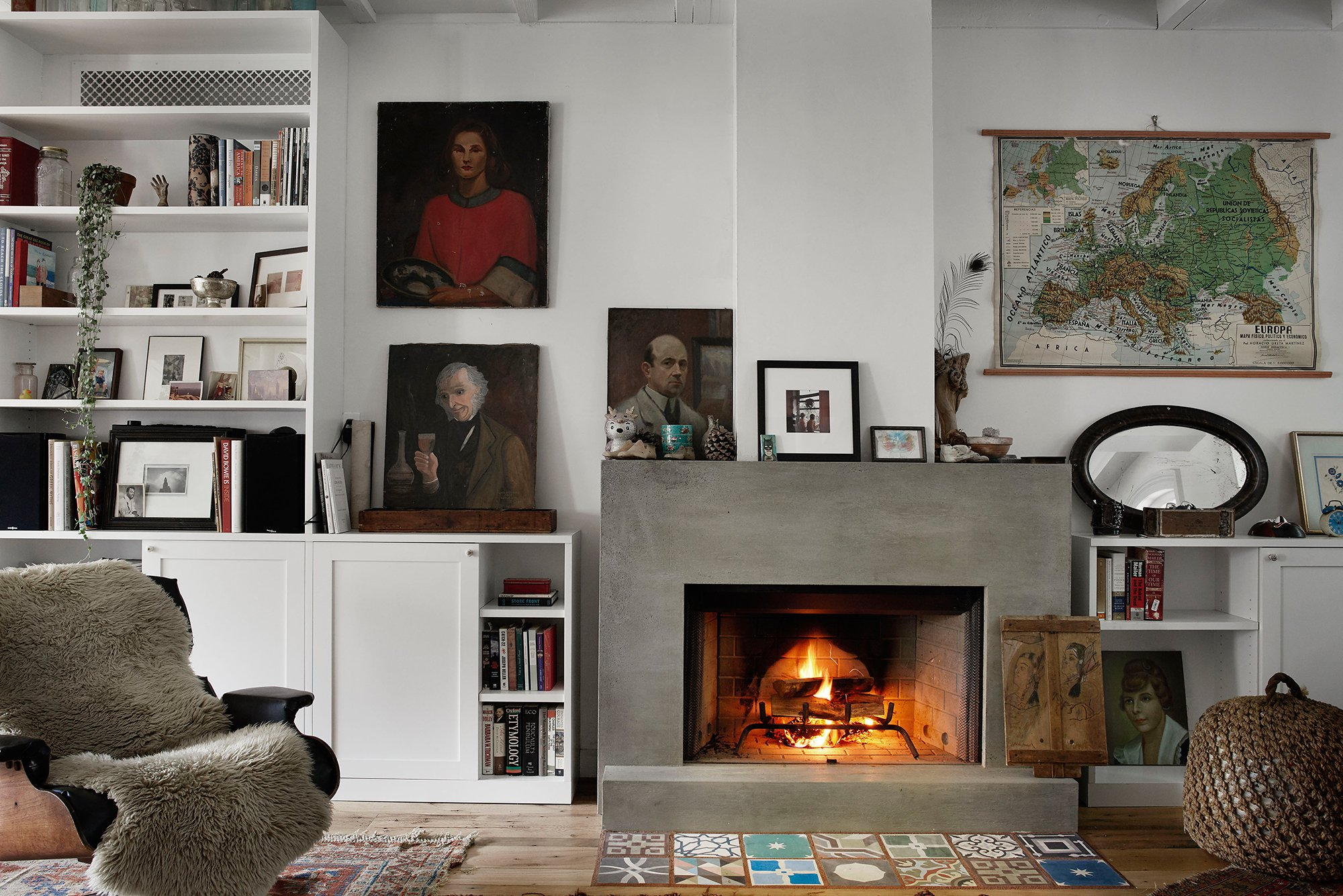concrete-fireplace-surround-tiles-rony-vardi-vogue