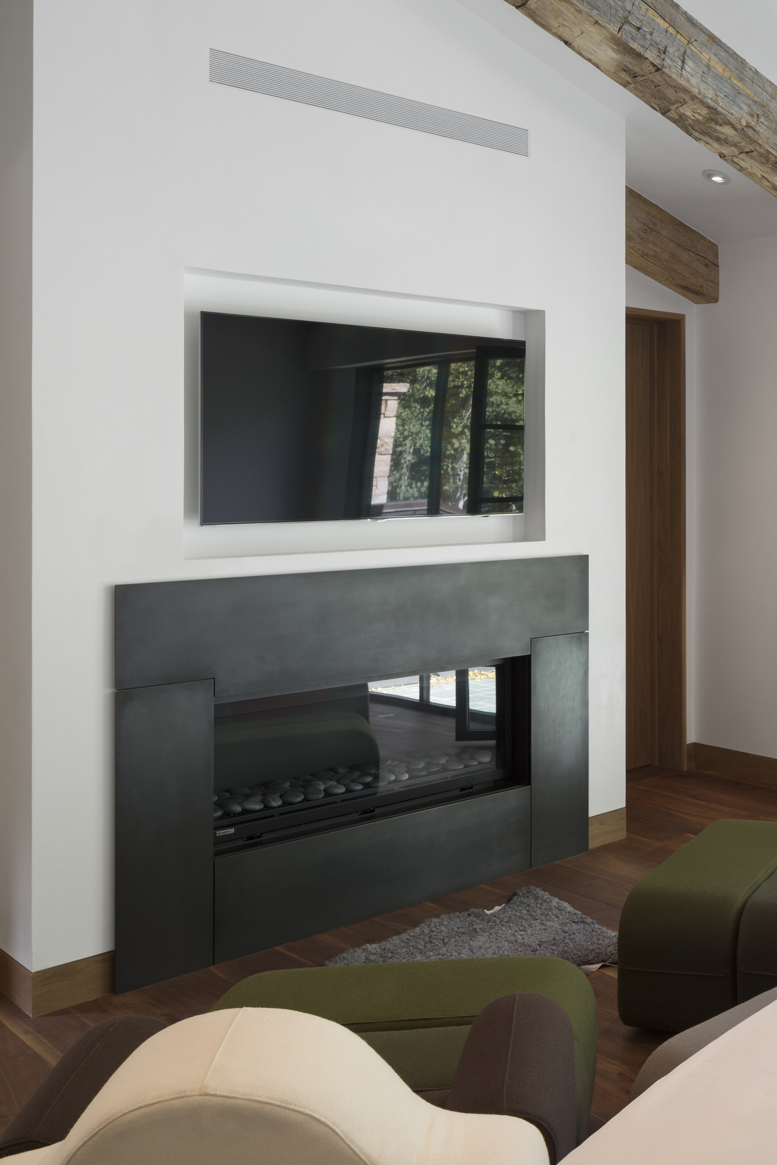 fire-place-and-tv-stand-aspen-s2-architects