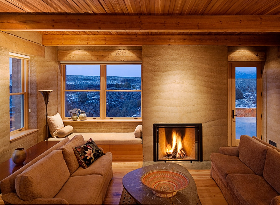 fireplace-insert-rammed-earth-surround-taos-nick-noyes-architecture