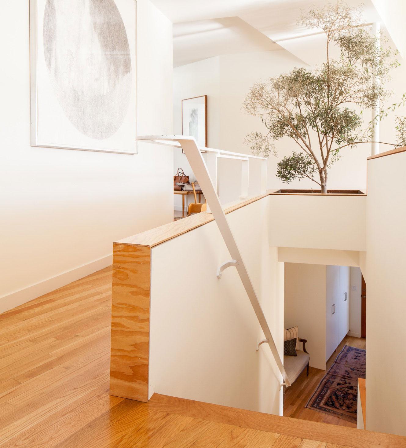 modern-stair-case-plywood-jessica-de-ruiter