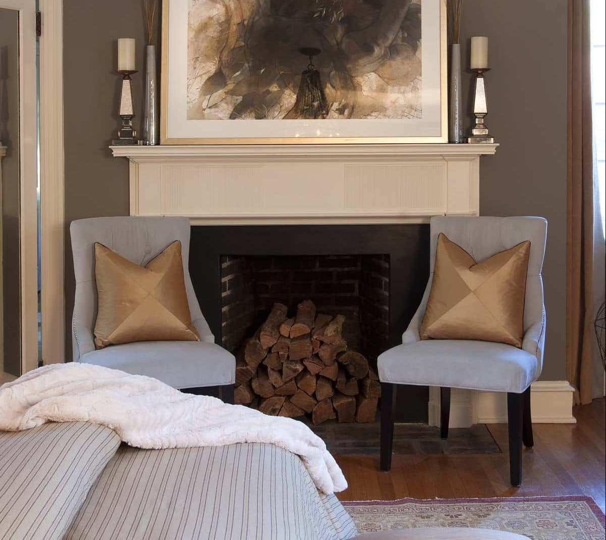 contemporary-fireplace-mantel-top-kat-photo