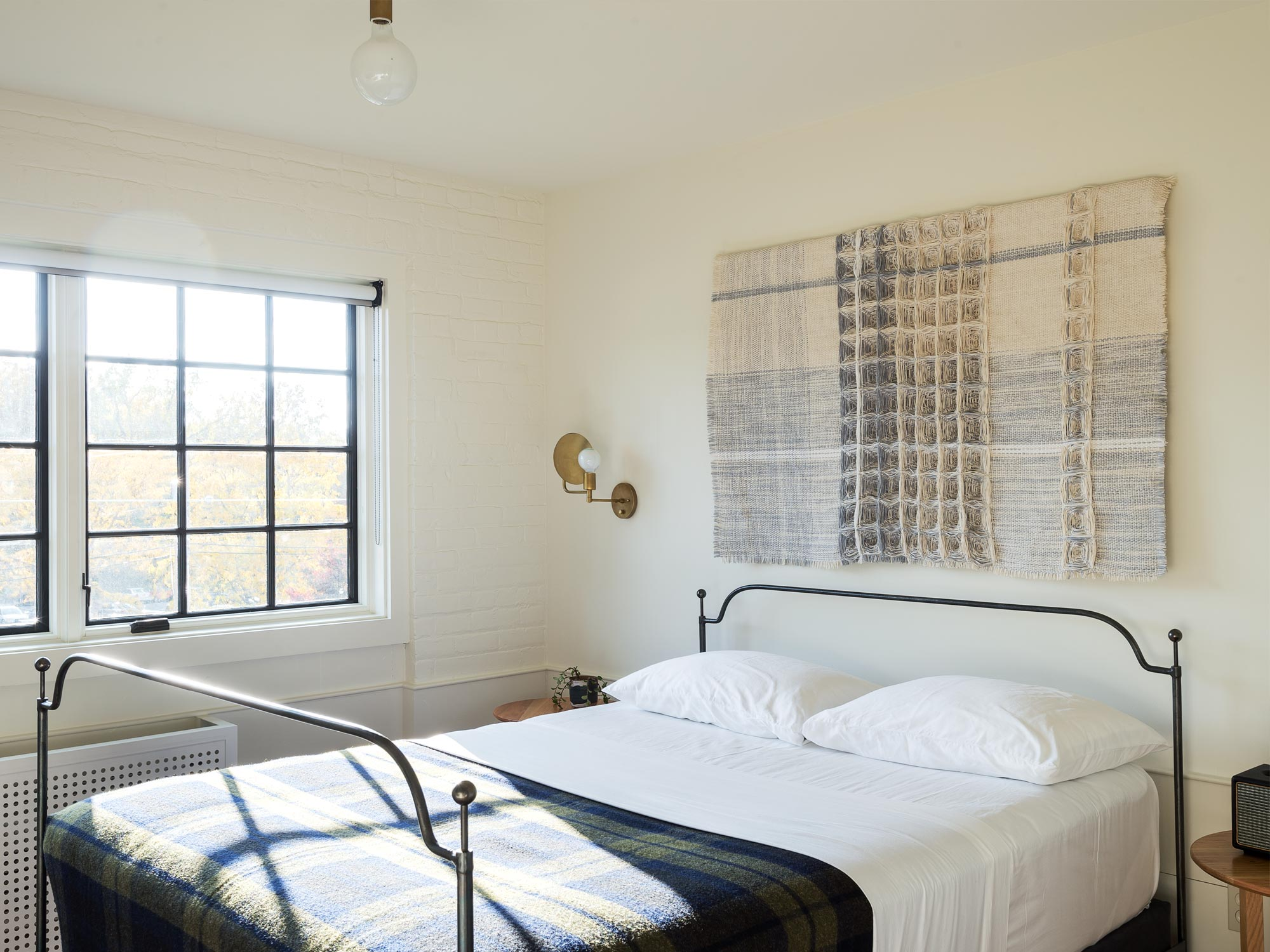 kinfolk-rustic-farmhouse-master-bedroom-decor-workstead