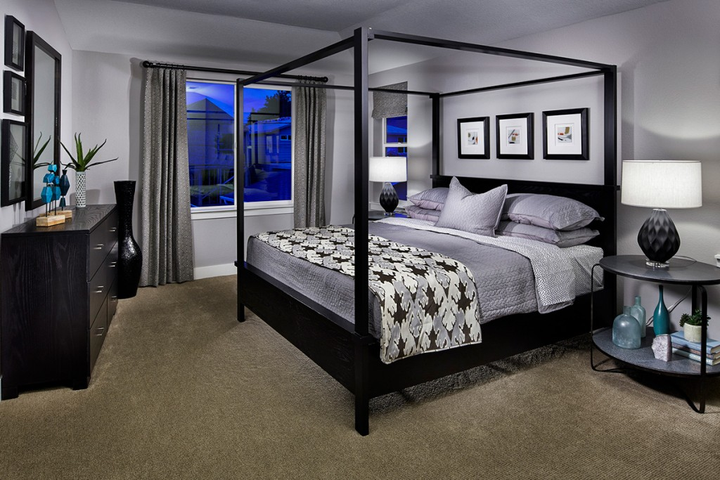 4 Poster Bed Master Bedroom Dark Wood