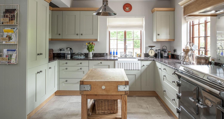 rustic-island-kitchen-jm-interiors